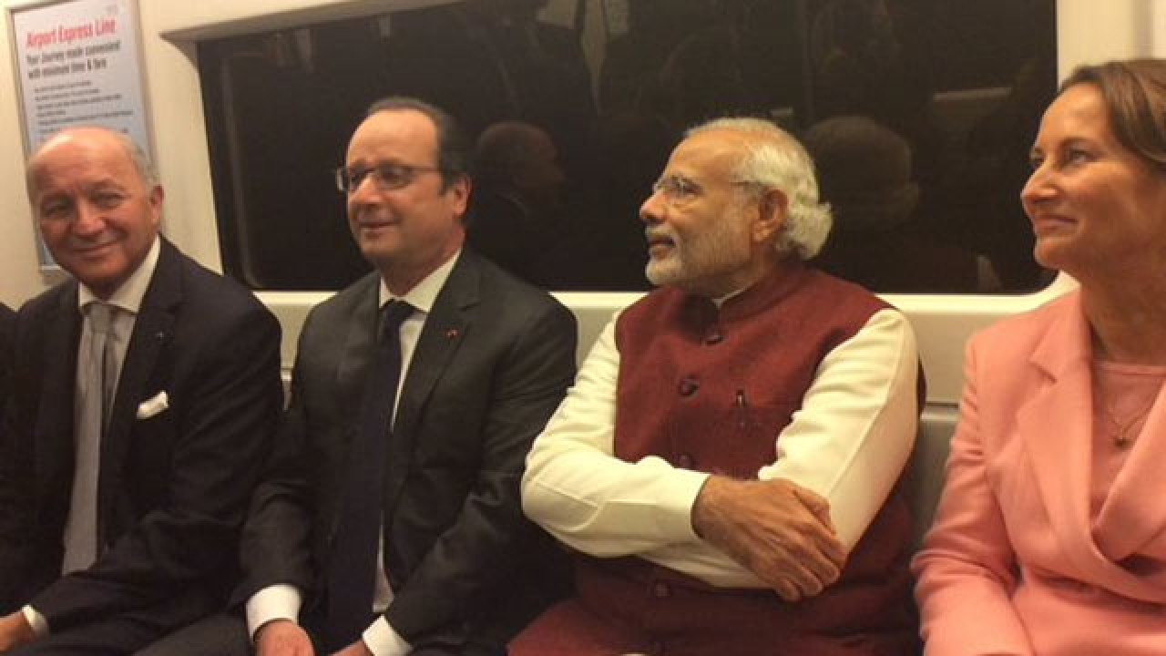 Opposition nails Modi after former French President Francois Hollande speaks