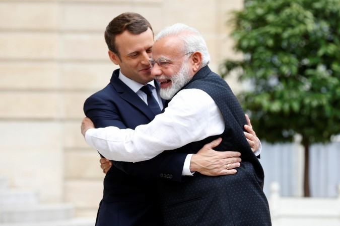 "Macron's ""government-to-government discussion"" stirs more trouble for BJP  #rafalescam"