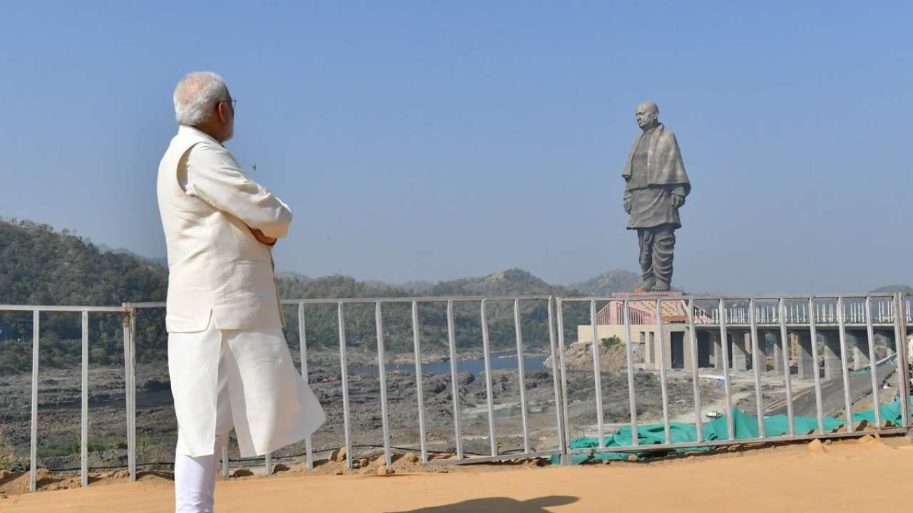 World tallest  Sardar patel statue inaugurated – Modi in ecstasy  mode while  Rahul , farmers fumes