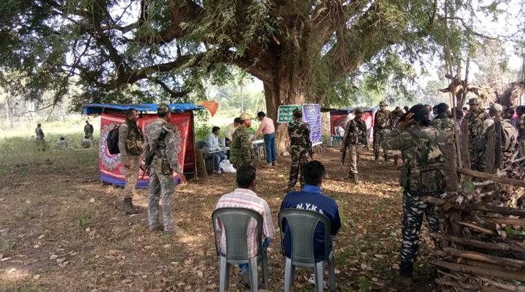 Chhattisgarh  1st phase : 70% voting amidst 4 maoists  killing , 4336 booths EVM glitches , 100000 Security deployment