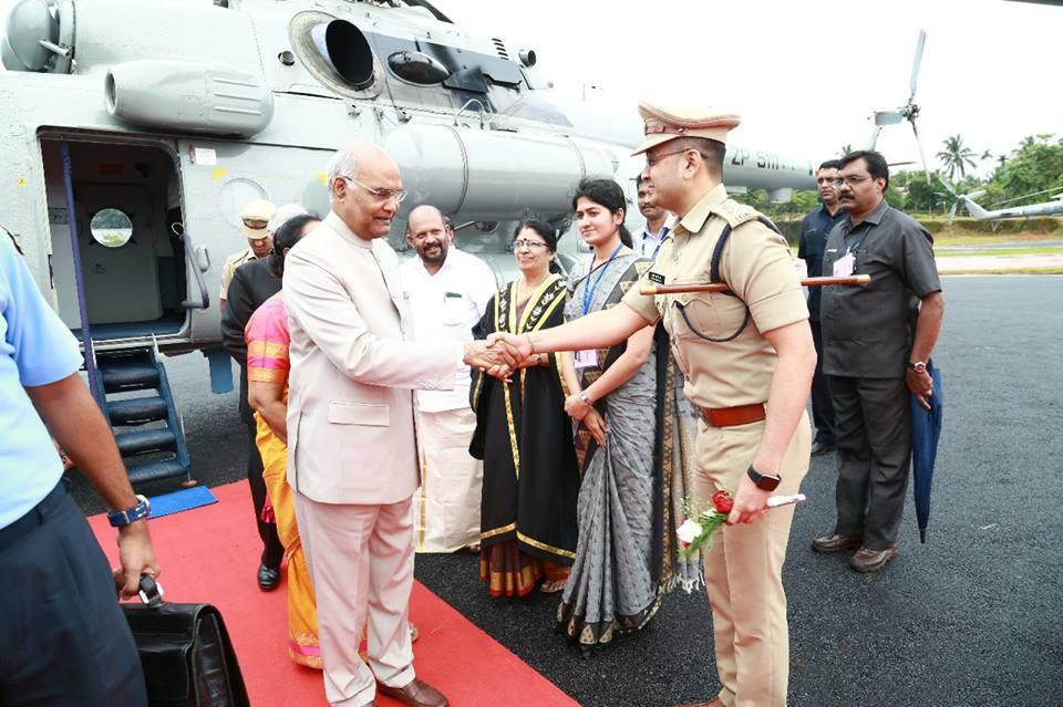 IPS Officer Yatish Chandra Stops Union Minister
