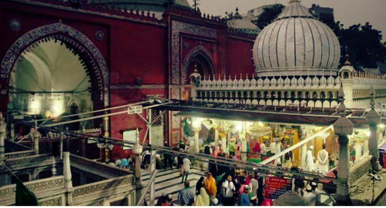 Delhi high court notice to Centre, state regarding   women entry in to  Nizamuddin Dargah