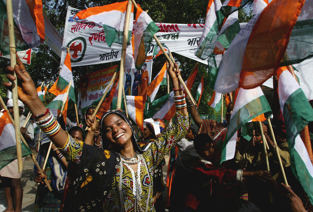 Modi wave swallowed by Hindi heart land  , Congress wrapped all three Important States