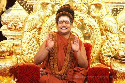 Self styled Controversial  hindutva  Godman Nithyananda fled India ?!