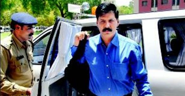 Gujarat cadre IPS officer, who probed Sohrabuddin case Suspended