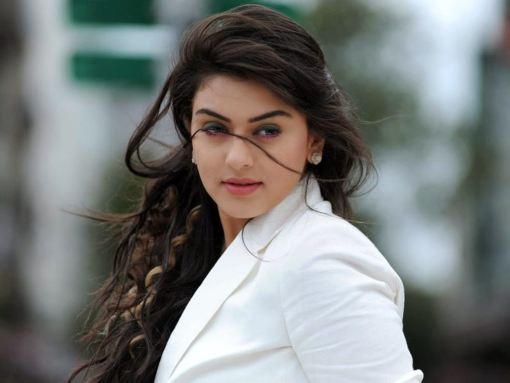 Hansika private pictures  leaked on social media