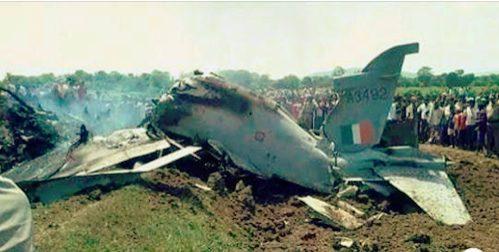 Pakistan shot down two Indian war Flights,   Imran khan bats for  Peace talks not war