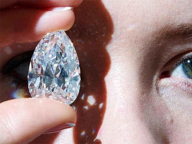 Stocks of +11 diamonds from TamilNadu made 30% market crash
