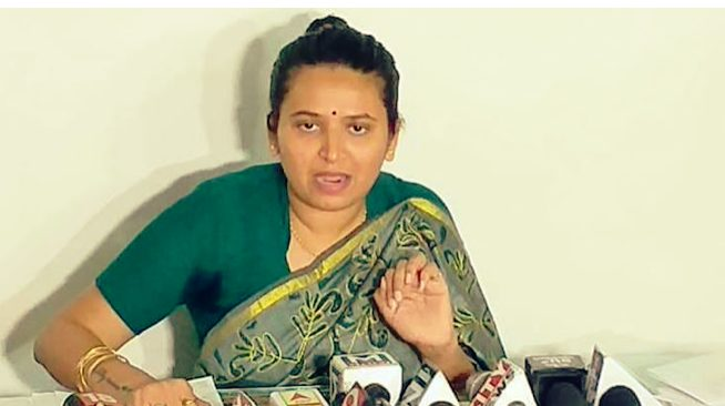Gujarat women leader  Reshma Patel revolts and resign from  BJP